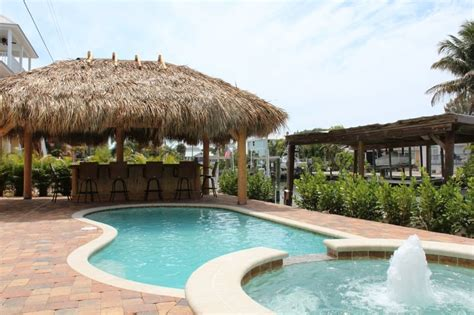 tiki hut brands sunny escape fort myers beach vacation rental
