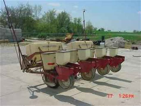Ih 56 Planter by Used Farm Tractors For Sale Ih 56 Four Row Planter 2005