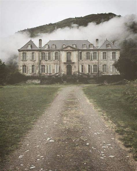 2 abandoned mansions of ireland ii more portraits of forgotten stately homes books 25 best ideas about abandoned houses on