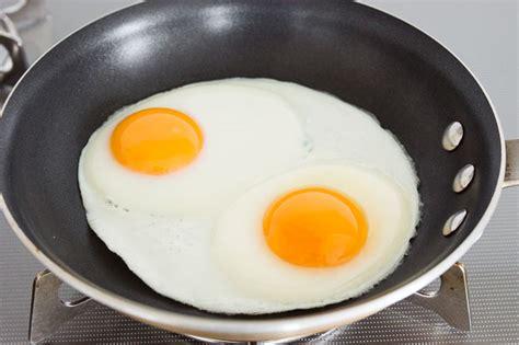 cara membuat yoghurt yang benar begini cara menggoreng telur mata sapi yang benar