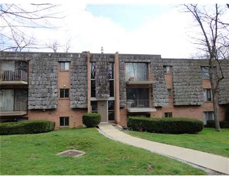 1012 forest green moon crescent twp pa 15108 for sale