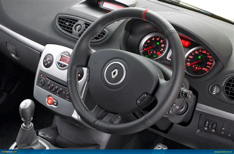renault clio sport interior ausmotive com 187 renault adds dynamic duo to hatch cave