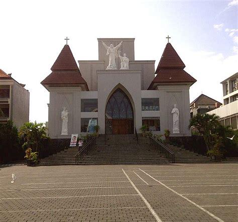 desain interior gereja minimalis arsitektur indonesia tempat ibadah gereja agusjanuadi