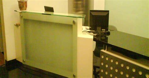 Meja Komputer Laboratorium karya furniture meja resepsionis mmr 1