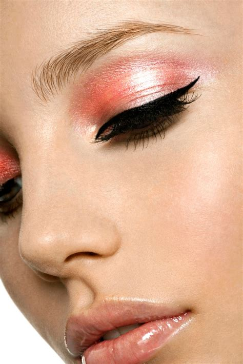 Make Up Maskara designer makeup cool eye makeup