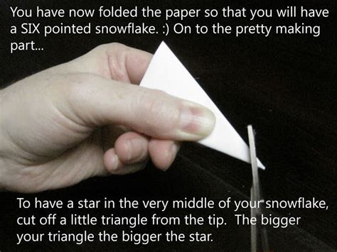 How Do You Fold Paper To Cut A Snowflake - 111 best images about snowflakes paper patterns