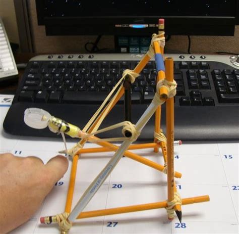 How To Make A Catapult Out Of Paper - pencil and rubber band catapult diy