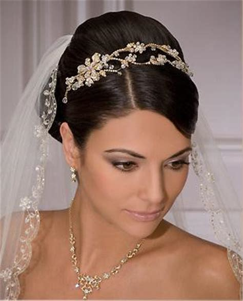 Wedding Hairstyles With Tiara And Veil by Wedding Hairstyles With Veil
