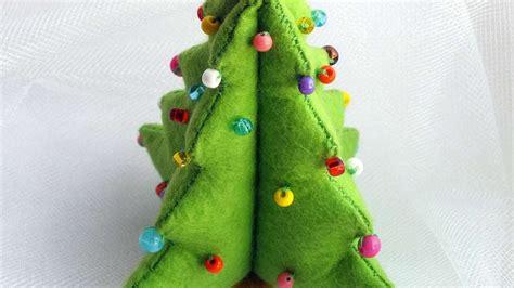 how to make a diy felt christmas tree diy crafts
