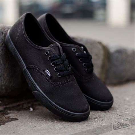 Sepatu Vans Autentic Black Uk 36 40 vans authentic lo pro black black footshop