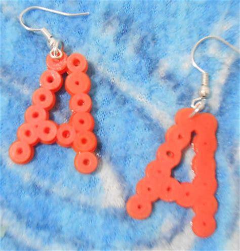 orecchini con lettere orecchini lettere pyssla gioielli orecchini di