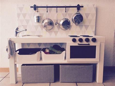 cuisine enfant 2 ans une kitchenette pour mon fils de 2 ans