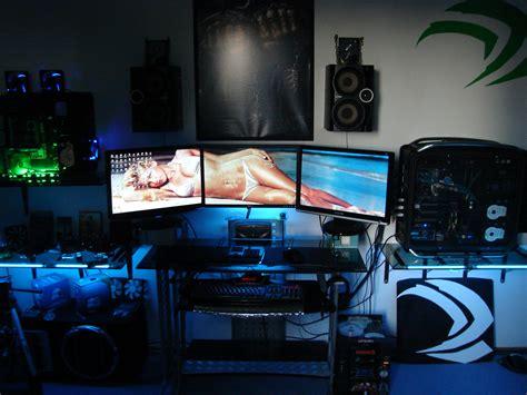 Pc Gaming 3 Monitor Badh8me S Gaming Room 3 Way Sli 3 Monitor Setup By Badh8me On Deviantart