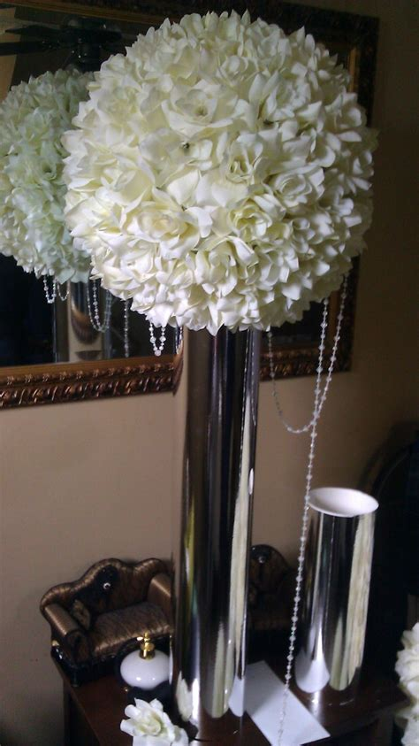 17 Best images about Kissing ball Centerpiece on Pinterest