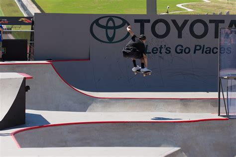 toyota center skate energy s curren caples takes silver in toyota