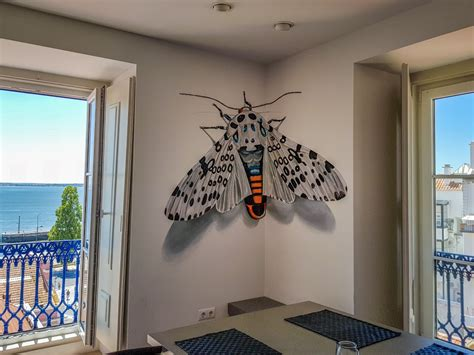 anamorphic insects  roaming  city streets