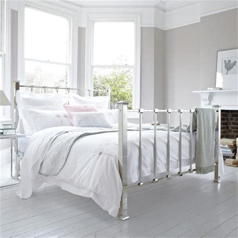 Metal Bed Frame Ideas Minimalist Bedroom Design Ideas With Metal Bed Frame