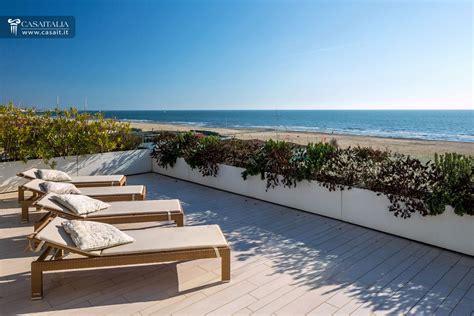 appartamenti toscana sul mare lido di camaiore attico con superattico fronte mare