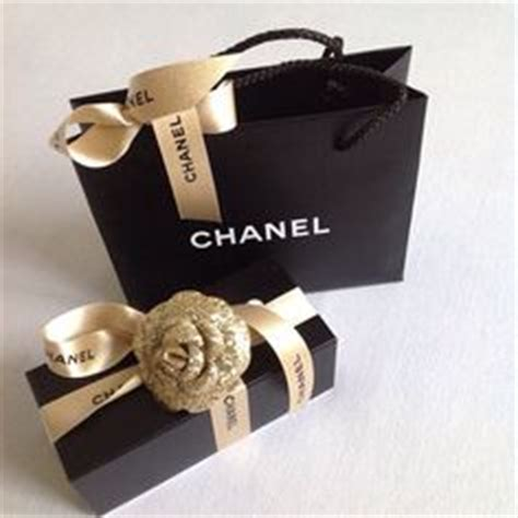 Tas Chanel Boxy Free Pom 1000 images about decor gift boxes on chanel gift boxes and packaging