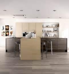 quel rev 234 tement de sol choisir pour une cuisine moderne