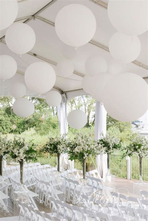 balloon centerpieces for wedding receptions 25 best ideas about large balloons on