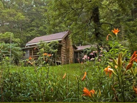 brown county indiana log cabins eagles nest lodge country resorts and vacation homes in brown county indiana