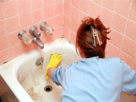 how to remove stains from bathtub 6 best ways to remove bathtub stains decor craze