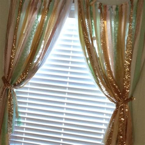 gold streamer curtain 25 best ideas about ribbon curtain on pinterest ribbon