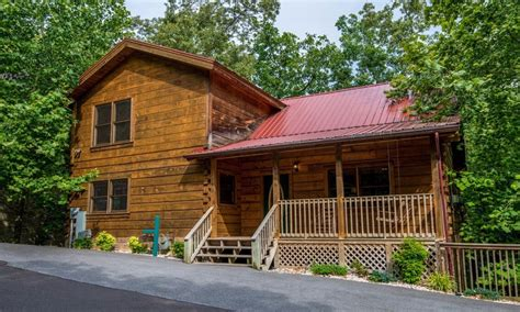vrbo gatlinburg 5 bedroom 5 br resort family cabin in gatlinburg w vrbo