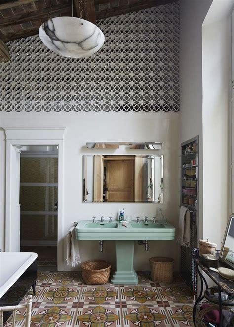 Retro Modern Bathroom by 25 Best Vintage Bathroom Tiles Ideas On Tiled