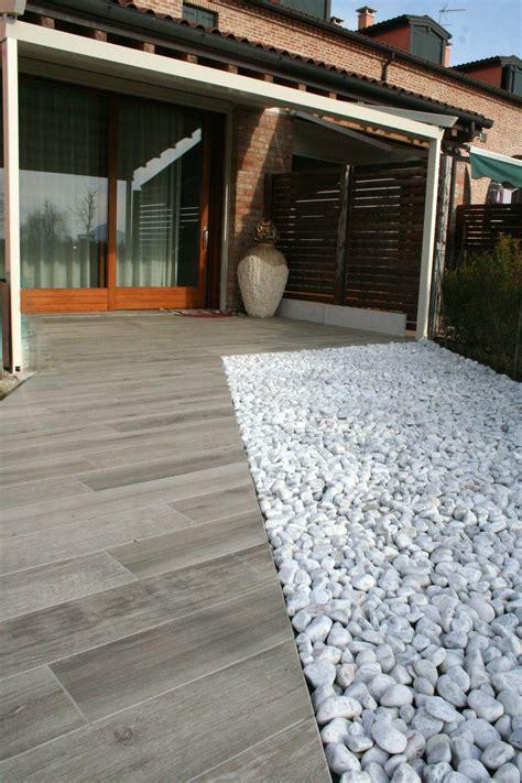 piastrelle in gres per esterni pavimento esterno in gres porcellanato effetto legno