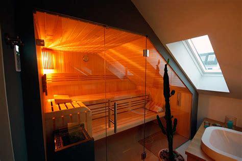 dachschrã ge sauna unter einer dachschr 228 ge apart sauna ihre