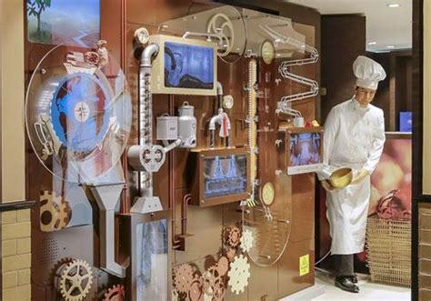 Lindt Swiss Classic Hazelnut Chocolate Cokelat Coklat Kacang Import liburan musim panas di swiss