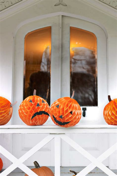 easy home halloween decorations easy diy halloween decorations homemade do it yourself