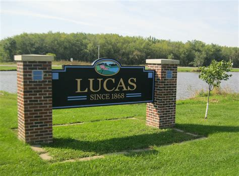 Lucas County Search File City Sign Lucas Lucas County Iowa Jpg Wikimedia Commons