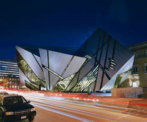 architect designs royal ontario museum libeskind