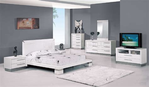 Modern White Bedroom Set by Fantastic Bedroom Furniture Set Which Matching To The