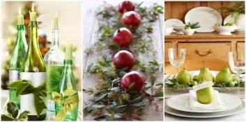 centerpiece kitchen table close:  diy christmas table decorations and settings  centerpieces