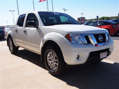 white nissan frontier 2014 glacier white nissan frontier the eagle truck