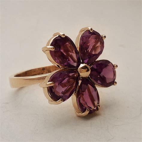 fiore viola anello con ametista a fiore quot viola quot meda orafi