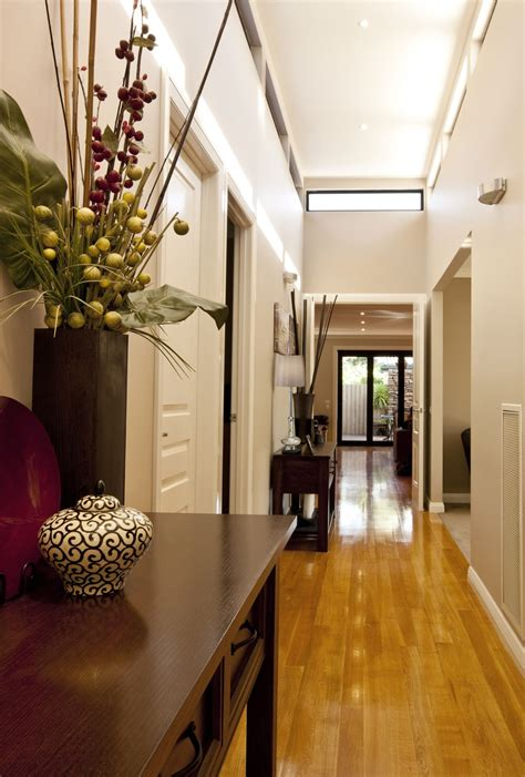 hallway decor ideas     home keribrownhomes