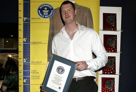 actor of game of thrones dies 7 foot 7 game of thrones actor neil fingleton dies at 36