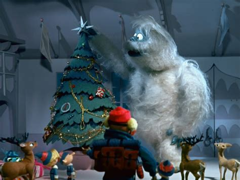 christmas bumble image bumble puts on tree jpg specials wiki fandom powered by wikia