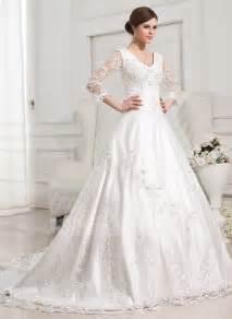 duchesse linie rechteckiger ausschnitt kapelle schleppe satin brautkleid mit perlen verziert p150 duchesse linie v ausschnitt kapelle schleppe satin