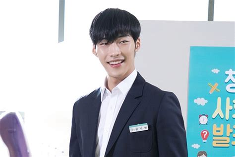 actor kwon shi hyun info profile kwon shi hyun woo do hwan rocks school uniform look behind the scenes of