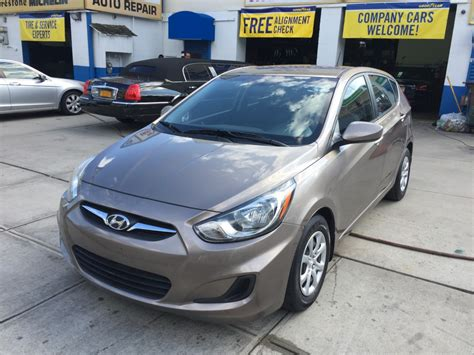 2013 hyundai accent gs hatchback used 2013 hyundai accent gs hatchback 7 990 00