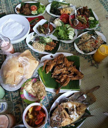 Ayam Panggang Banjarejo ayam bakar dan lalapan picture of ayam panggang 77