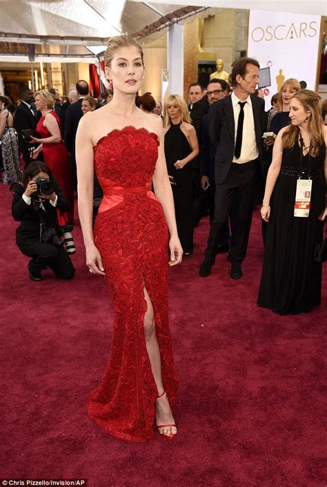 schomburg center events exhibitions red carpets and rosamund pike shows off her tiny waist in a radiant red