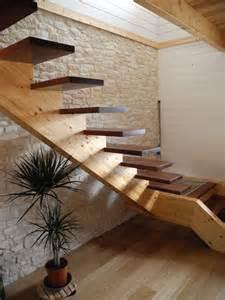 escaliers construction de maisons en bois dans les