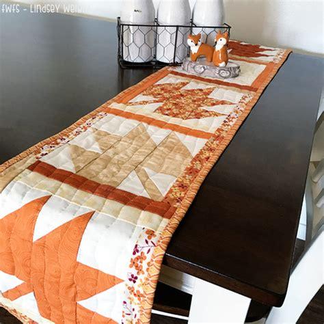 thanksgiving table runner quilt patterns thanksgiving table runner pattern favequilts com